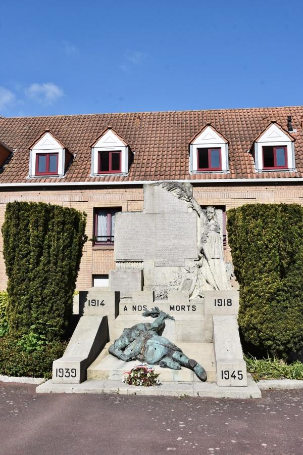 Photo Bergues - le Monument Aux Morts