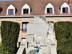 Photo paysage et monuments, Bergues - le Monument Aux Morts