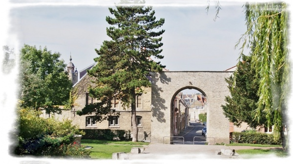Photo Bergues - Le Village