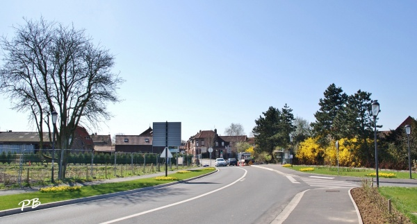 Photo Englos - Le Village