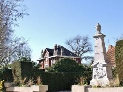Photo paysage et monuments, Englos - Le Village