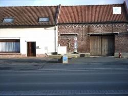 Photo paysage et monuments, Lécluse - barque devant la mairie