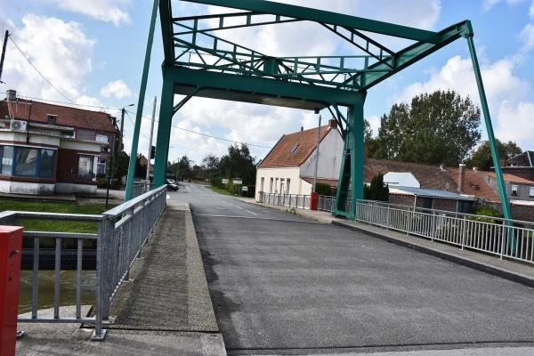 Photo Saint-Pierre-Brouck - le pont