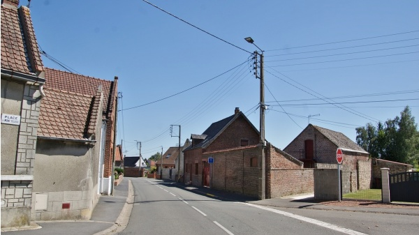 Photo Villers-au-Tertre - le Village