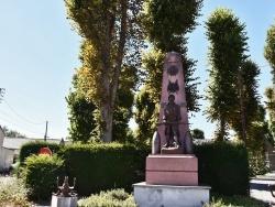 Photo paysage et monuments, Villers-au-Tertre - le Monument Aux Morts