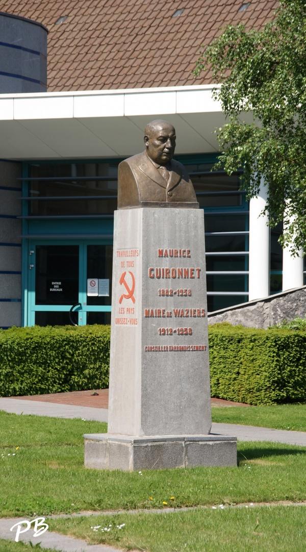 Photo Waziers - Statue