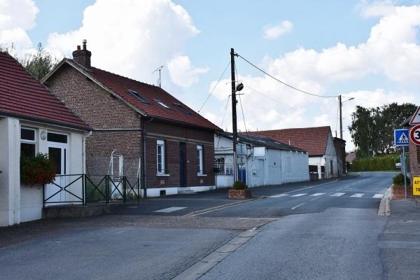Photo Beaulieu-les-Fontaines - Le Village