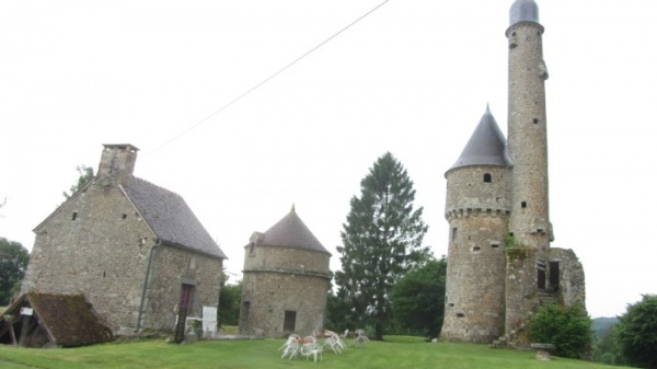 Photo Juvigny-sous-Andaine - Le phare de Bonvouloir