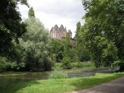 Photo paysage et monuments, Lougé-sur-Maire - l'orne et le château de Mesnil-Glaise 61150