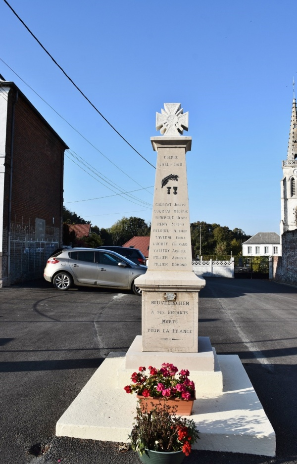 Photo Bouvelinghem - le monument Aux Morts