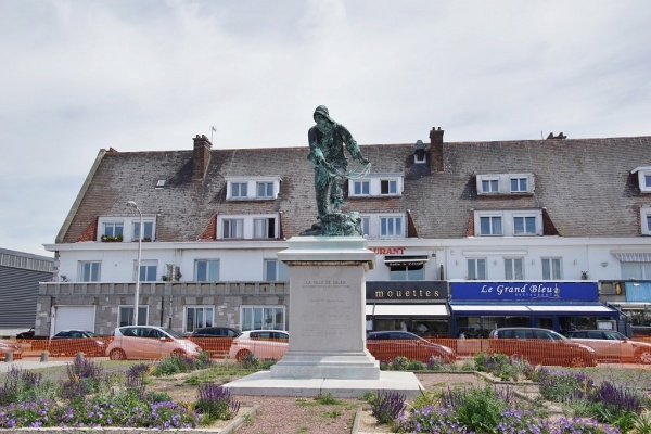 Photo Calais - la statue
