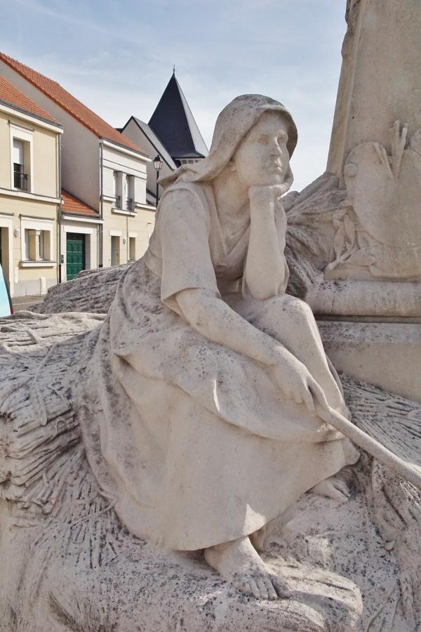 Photo Courrières - la Statue
