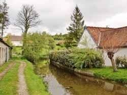 Photo paysage et monuments, Enquin-sur-Baillons - Les Baillons