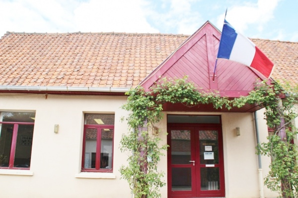 Photo Nielles-lès-Bléquin - la mairie