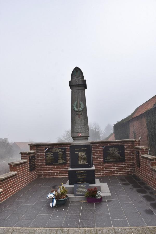 Photo Saint-Hilaire-Cottes - le monument aux morts