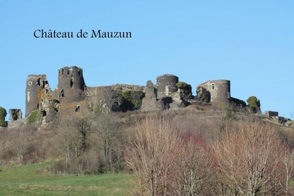 Photo Billom - Château de Mauzun