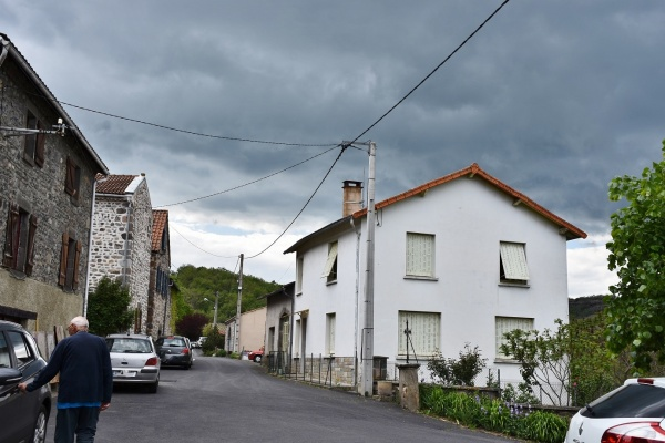 Photo Grandeyrolles - le Village