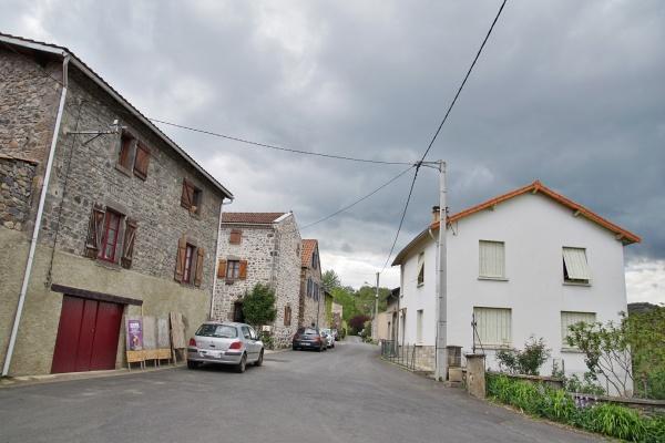 Photo Grandeyrolles - le Village