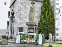 Photo paysage et monuments, Murat-le-Quaire - le Monument Aux Morts