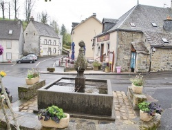 Photo paysage et monuments, Murat-le-Quaire - la Fontaine