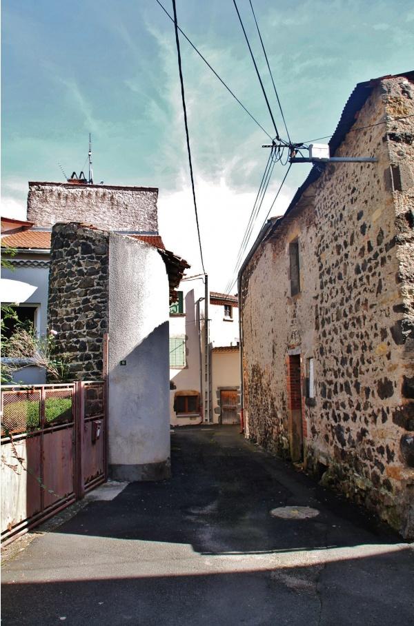 Photo Neschers - Le Village