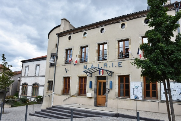 Photo Saint-Sandoux - La Mairie
