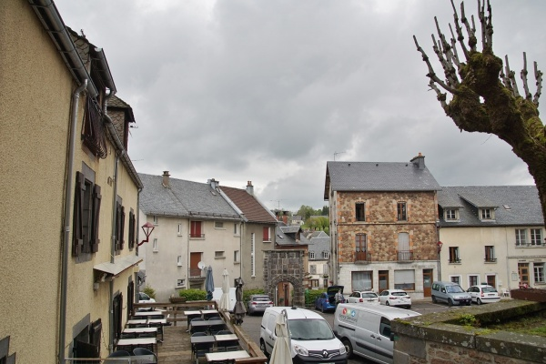 Photo Saint-Sauves-d'Auvergne - le Village