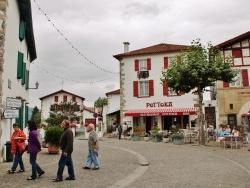 Photo paysage et monuments, Espelette - Rue du Village