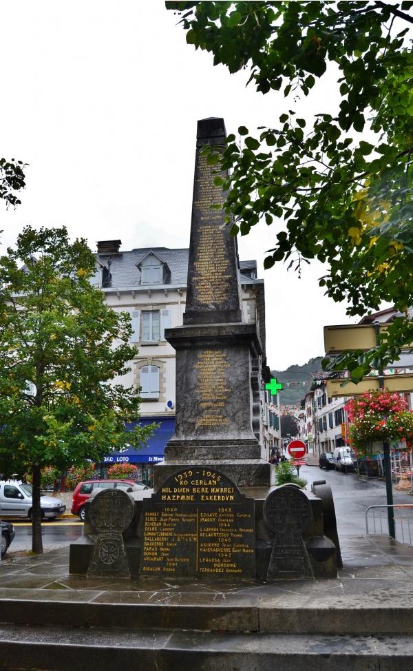 Photo Hasparren - Monument aux Morts