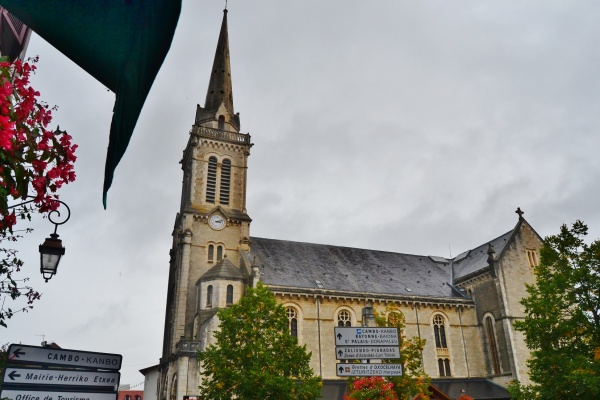 Photo Hasparren - église St Jean-Baptiste