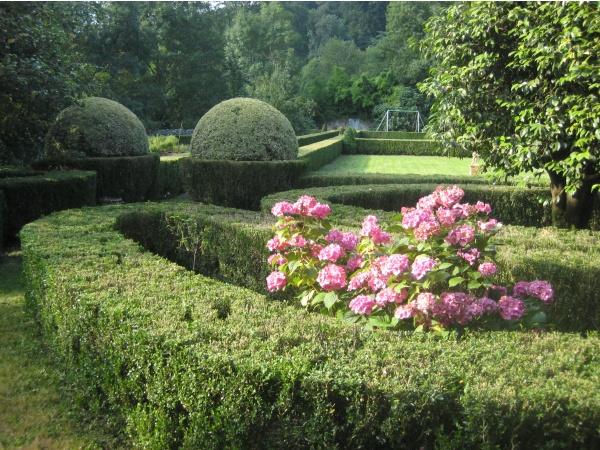 Vue jardins à la française