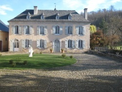 Photo paysage et monuments, Pontacq - Cour château de Meyracq