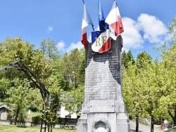Photo paysage et monuments, Tuzaguet - le Monument Aux Morts