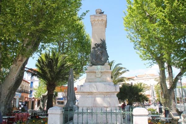 Photo Banyuls-sur-Mer - Monuments Aux Morts