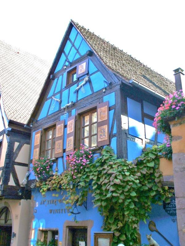 Riquewihr maison bleue une photo de riquewihr - Chanson la maison bleue ...