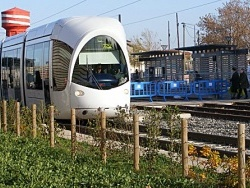 Photo paysage et monuments, Vaulx-en-Velin - Le tramway à La Soie