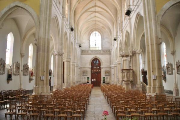 Photo La Chapelle-de-Guinchay - église Notre Dame
