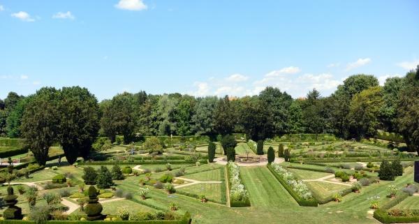 Cormatin 71 - Le parc du château.