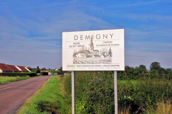 Photo Demigny - Entrée de Demigny.71.