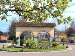 Photo paysage et monuments, Louhans - Louhans-71.Route de Cuiseaux.