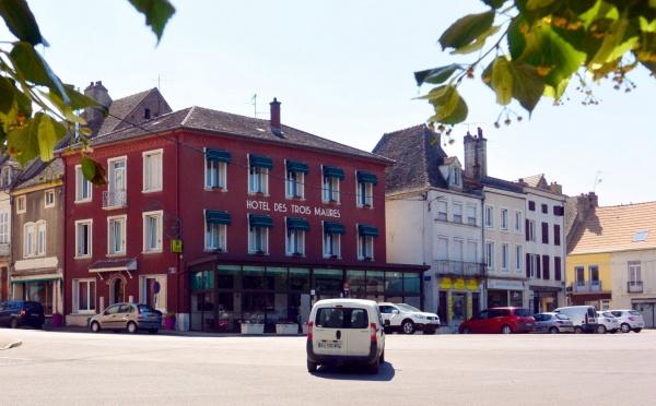 Verdun sur le Doubs.71.Hôtel des trois Maures.