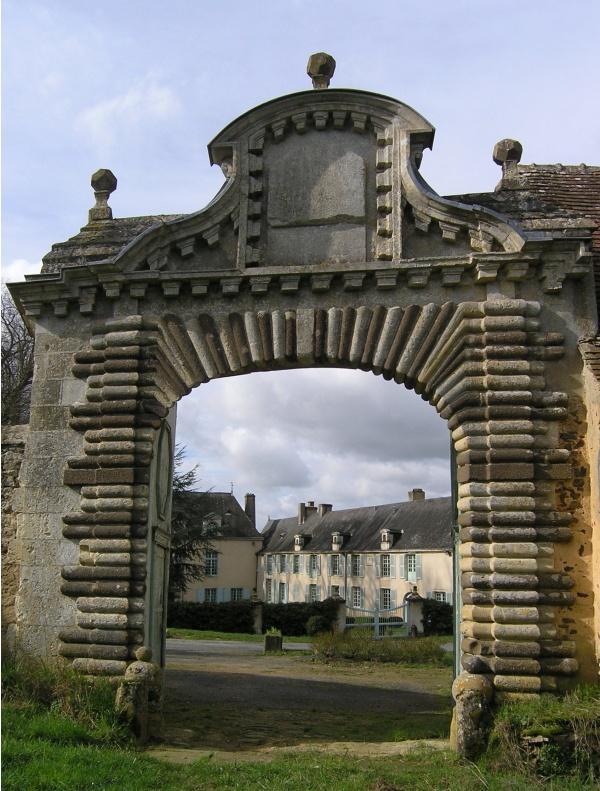 Photo Chemiré-le-Gaudin - portail d'entrée du château