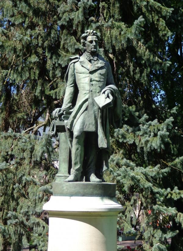 Photo Aix-les-Bains - statue de Lamartine