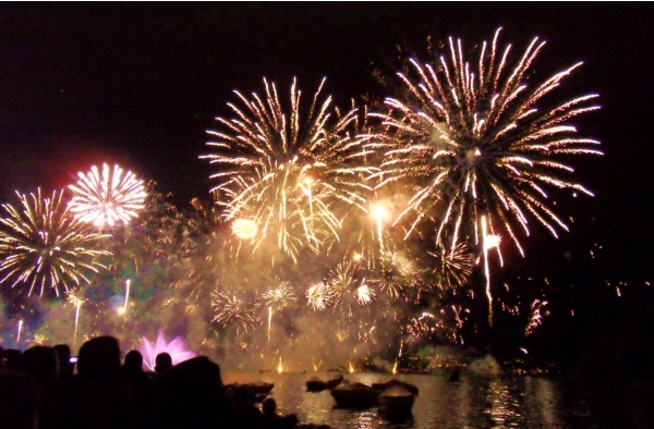 Photo Annecy - Annecy 74- les feux d'artifice. 02 Aout 2014.