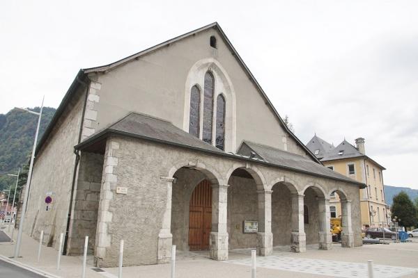 Photo Cluses - église Saint Nicolas