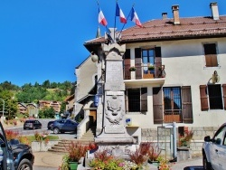 Photo paysage et monuments, Saint-Jean-de-Sixt - Monument-aux-Morts