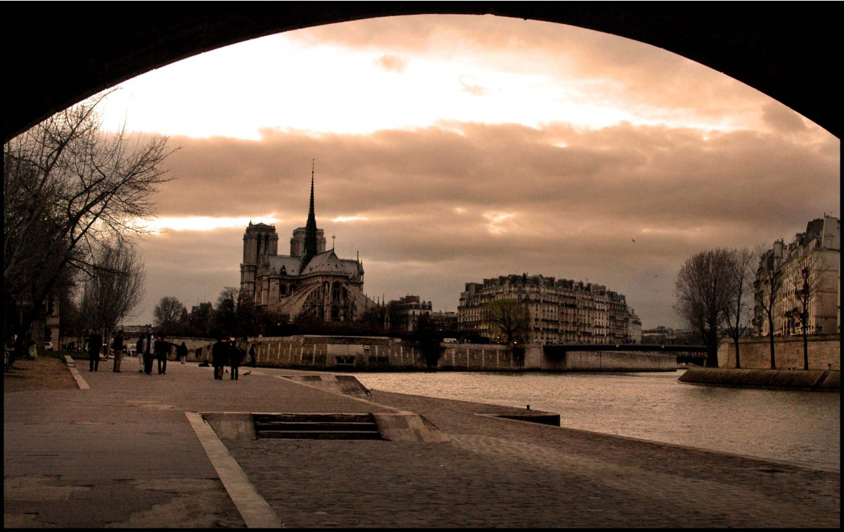 Sous les ponts de paris une photo de paris for Les photos de paris