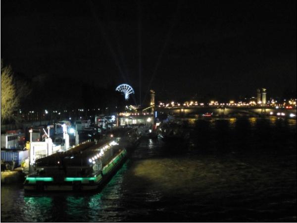 Photo Paris - Quais près de pont de L'alma