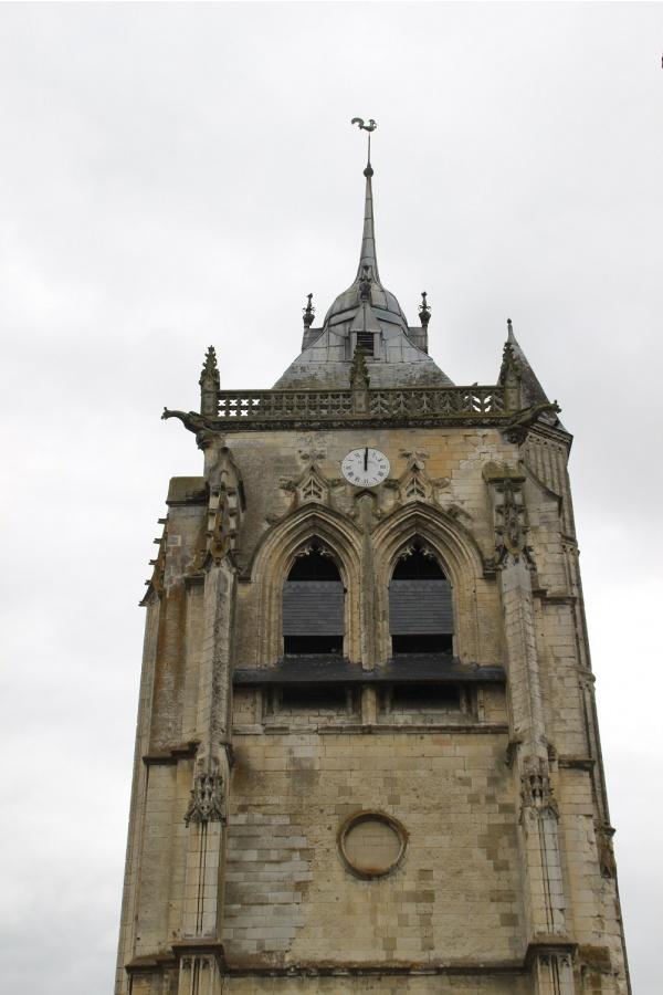 Photo Aumale - clocher St Pierre St Paul