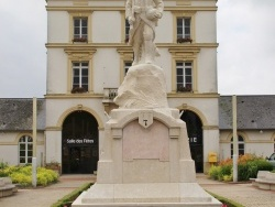 Photo paysage et monuments, Bacqueville-en-Caux - Monuments Aux Morts
